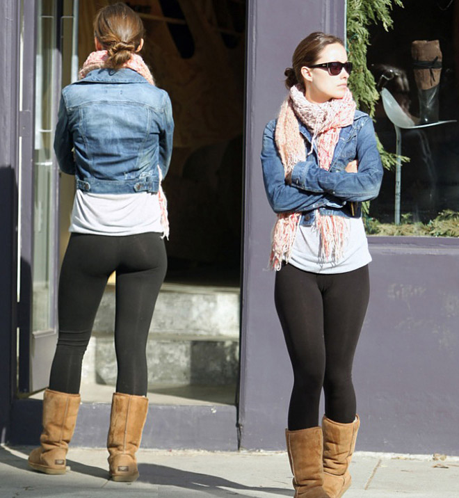Here We Have Olivia Wilde Letting Her Leggings Parade Free Below The
